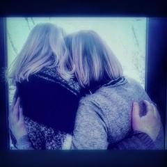 Oggi è il #bluemonday il giorno più triste dell'anno, ma per una strana coincidenza quest'anno nella stessa giornata si celebra anche l'#hugday , ovvero la giornata mondiale degli #abbracci. Quindi oggi date un abbraccio in più rispetto il solito e  rende (Sara Mattioli) Tags: followbackteam blue blu hugday abbracci picoftheday day alwaysfollowback 21di365 tagstagramers followforfollow moodoftheday moment huawei hugs followme hug mood photooftheday sad bluemonday friend friends