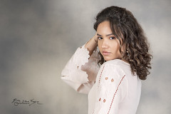 Look Familiar? (SteveFrazierPhotography.com) Tags: nikond750 stevefrazierphotography studio portrait portraiture speedlights flash gray cute girl youngwoman lady backdrop painted photographer macomb mcdonoughcounty illinois il