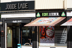 Joode Lade (samgi2) Tags: kneipe cologne graffiti urban city köln kölsch nrw deutschland outdoor travel tourismus building colorful event europe farben germany kölle street photography art farbe kunst paint public wall colour sony belgischesviertel rhein architectur panorama kölner attractions flus river stadt people persons menschen personen imhoffschokoladenmuseum europa architektur bunt shrilly fun spass leute 2018 bar
