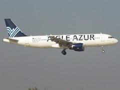 F-HAQD, Airbus A320-214, c/n 4767, ZI/AAF/Aigle Azur, ORY/LFPO 2018-10-21, short finals to runway 06/24. (alaindurandpatrick) Tags: fhaqd cn4767 a320 a320200 airbus airbusa320 airbusa320200 minibus jetliners airliners zi aaf aigleazur airlines ory lfpo parisorly airports aviationphotography