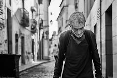 Lissabon Gente de Lisboa 157 bw (rainerneumann831) Tags: bw blackwhite street streetscene ©rainerneumann urban monochrome candid city streetphotography blackandwhite mann lisboa gentedelisboa lissabon