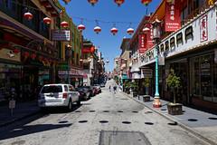 CHINATOWN, S.F (Guillaume DELEBARRE) Tags: usa sanfrancisco sf chinatown tamron2470f28 colors america street city rue