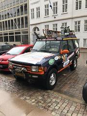 Start Carbage Run winter 2019 - Kopenhagen (FaceMePLS) Tags: kopenhagen copenhagen denemarken denmark scandinavië facemepls iphone8 rally car voiture pkw wagen voertuig teamjiskefet xg170z 1999landroverdiscoverytdi carbageteam5017 lier