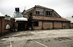outside (pepe50) Tags: disco abandoned urbex 2019 pepe50 italy funny leisure discoteque dj discodance dancing old jj party discoteca fattoria italia dance pala j abbandono lido degli scacchi riviera emilia romagna music 80 hdr hd bar fun fence blue blu