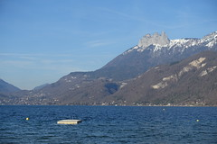 Bornes @ Plage du Bout du Lac @ Doussard @ Walk in Sources du Lac d'Annecy (*_*) Tags: february afternoon 2019 hiver winter savoie sourcesdulacdannecy walk randonnée nature hiking mountain marche europe france hautesavoie 74 annecy doussard lac lake lakeannecy lacdannecy