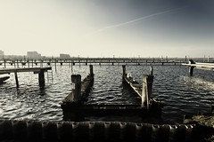 Marina (liebeslakritze) Tags: harbour winter tristesse backlight balticsea hafen ostsee wendtorf