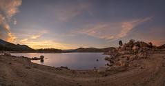 Atardeceres con agua (Victor Aparicio Saez) Tags: agua atardecer alairelibre aguasedosa árboles reflejos rocas fotoconamparohervella filtrond paisaje pantano naturaleza