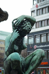 Australia (rotabaga) Tags: sverige sweden göteborg gothenburg järntorget sculpture pentax k5
