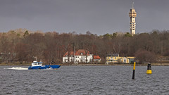 The work boat Catolga passing by Villa Alnäs on the island of Djurgården in Stockholm, in the background the Kaknäs Telecommunications Tower (Franz Airiman) Tags: teracom sventab båt boat ship fartyg stockholm sweden scandinavia