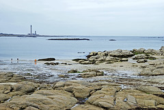 Normandie (Barfleur) 2016 / Normandy (Barfleur) 2016 (Joseff_K) Tags: sand sable côterocheuse rockycoast blue bleu coast côte rock rocher normandie normandy cotentin mer sea lamanche manche thechannel channel ciel sky barfleur pharedegatteville lighthouseofgatteville