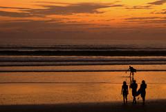 Puesta del sol en Costa Rica 3 (Luiz Augusto Dantas) Tags: nature natureza puestadelsol sunset beach playa pôrdosol mar céu praia oceano água areia onda surf pranchadesurf surfboard