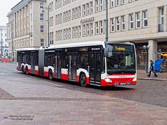 Mercedes Capacity L - Hochbahn 4810 (Pi Eye) Tags: mercedes o530 citaro capacity c2 capacityl articulé gelenk hambourg hamburg hochbahn vhh hvv bus